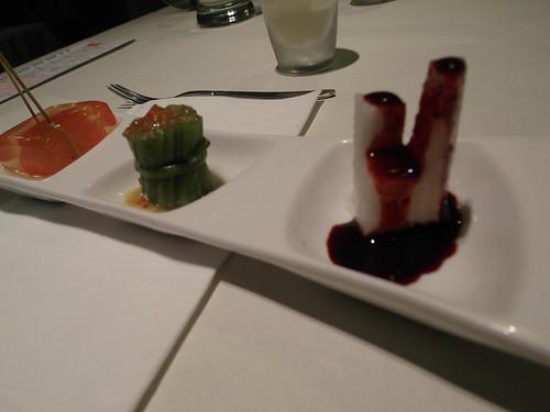 開胃菜:藍莓山藥+彩椒水蓮+蒟蒻蕃茄