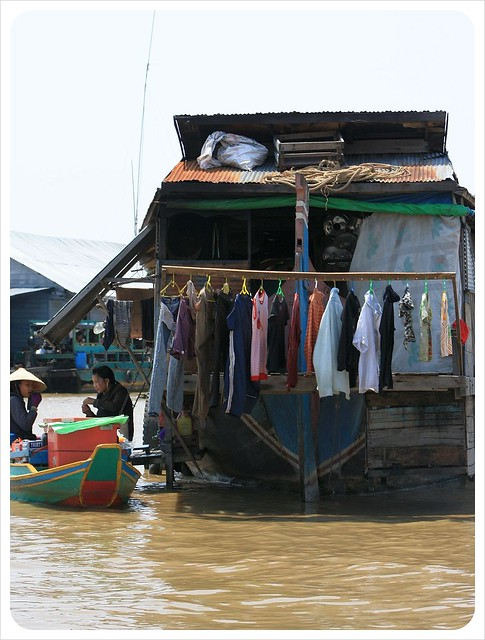 tonle sap floating village laundry