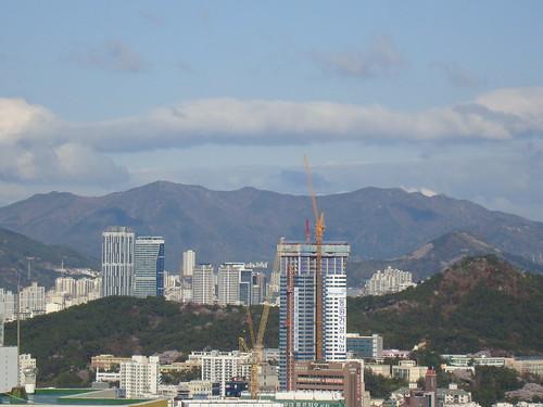 8am 6°C, clear sky, Busan