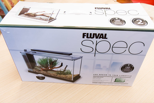 packaging for old version of fluval spec v aquarium