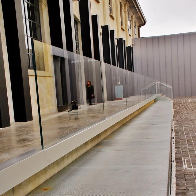 12 Milán Largo Isarco 2 Via Orobia Fondazione Prada Rem Koolhaas OMA 2008-15 Pab. Biblioteca-Bar 151115. 1068