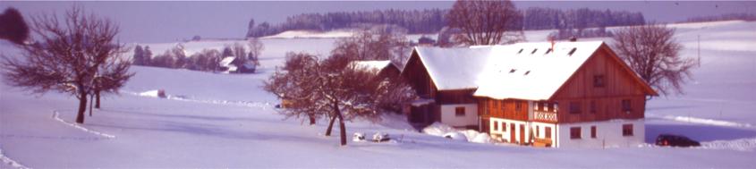 Schneeschuhwandern. Die Galerie zwischen Wetterstein und Bodensee von Charly Wehrle. Foto: Charly Wehrle.