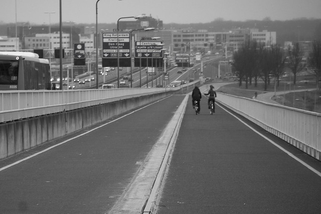 Rotterdam Cycle Track on Bridge_4