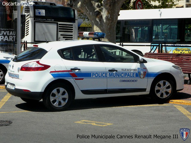 Police municipale cannes renault megane iii flickr for Police cannes