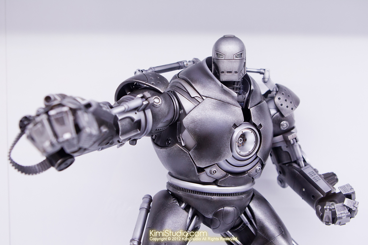 2011.11.12 HOT TOYS-090