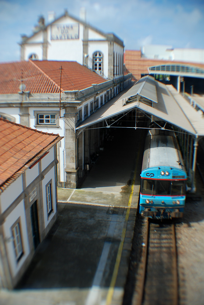 Mini-Train Leaving Now to Porto