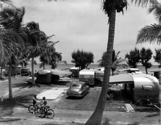 Hollywood camp on the ocean front: Hollywood, Florida