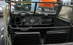 VW Typ 82 Kübelwagen grey 1944 cockpit