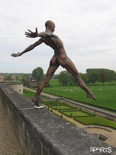 Nicolas lavarenne sculpture en équilibre