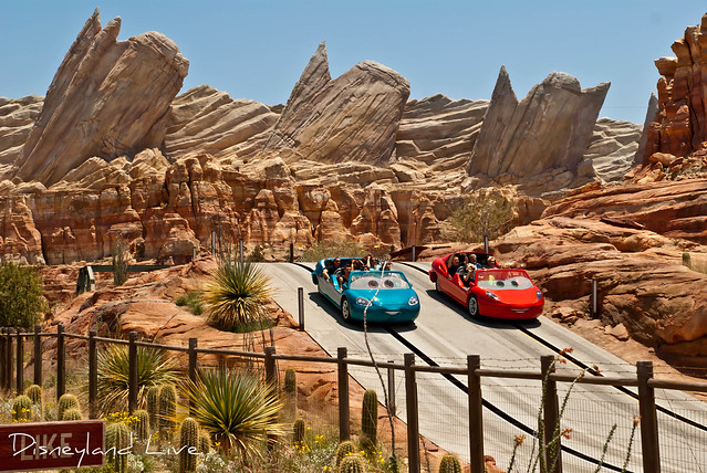 Cars Land - Radiator Springs Racers / Ornament Valley
