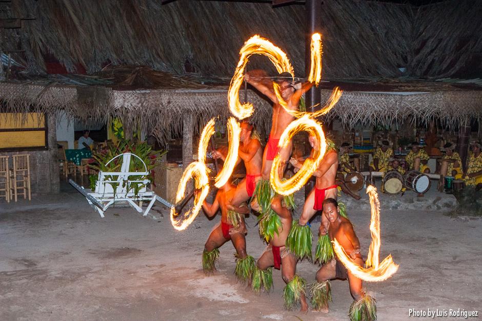 danza del fuego en moorea
