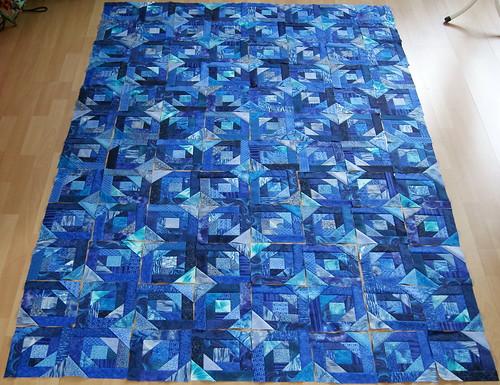 Blue Pineapple Blöcke ausgelegt