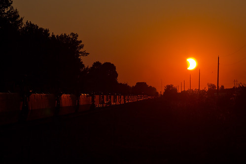 sunset sun minnesota train eclipse bnsf verndale baretabletrain staplessubdivision