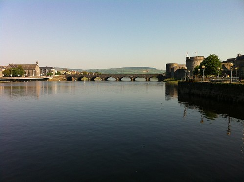 Limerick City - Thomond Bridge by despod
