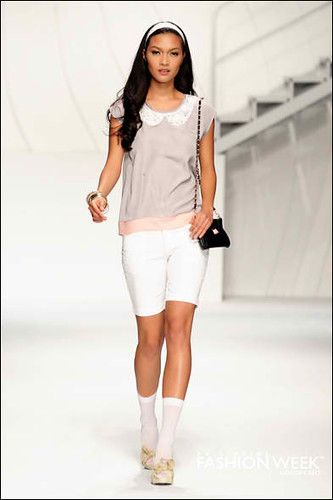 Charo Ronquillo for Unica Hija PhFashion Week Holiday 2012