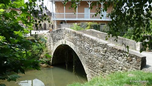 Un vieux pont à Lasseube (2011-08-13 -08)