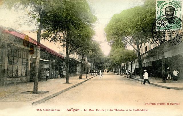 Saigon 1912 - La Rue Catinat :  du Théâtre à la Cathédrale