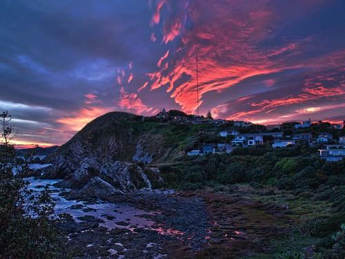 pink tower rock radio sunrise reflections bay pools nz wellington titahi