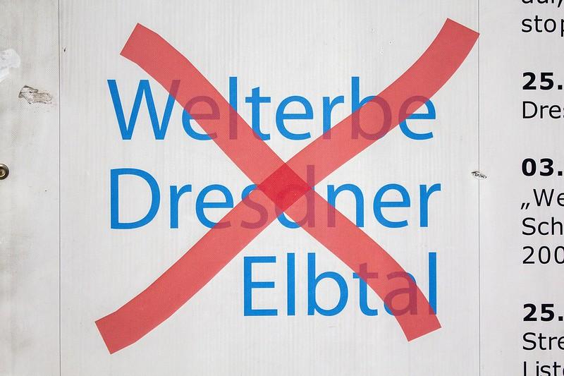2013_DASGRAUEWUNDER_UNESCOBILLBOARD_DRESDEN_MAHIEUTREMBLIN_VLADIMIRTURNER_IMG_0754