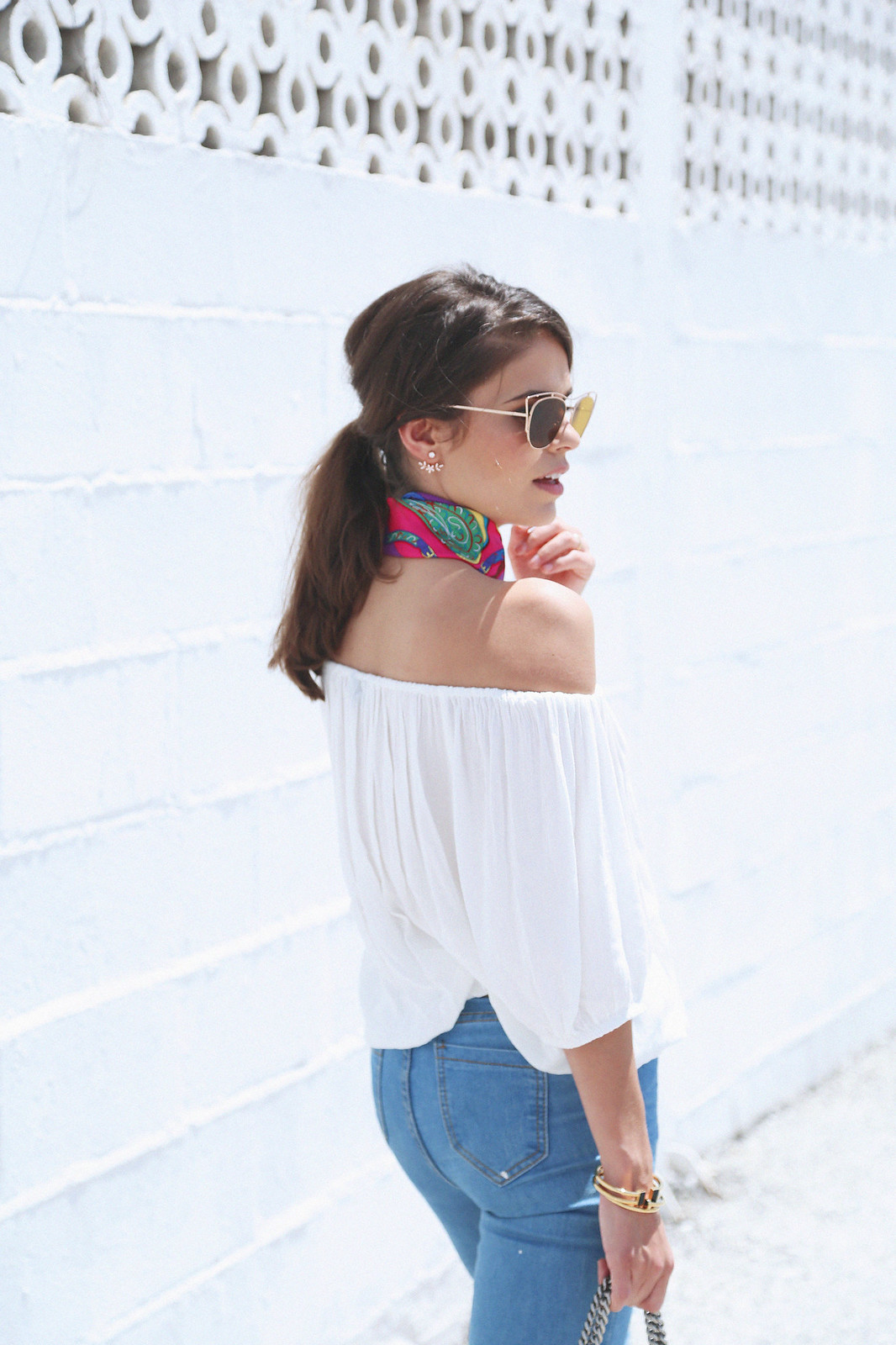 jessie chanes seams for a desire white off shoulder top high waisted jeans gucci bag uterque-16