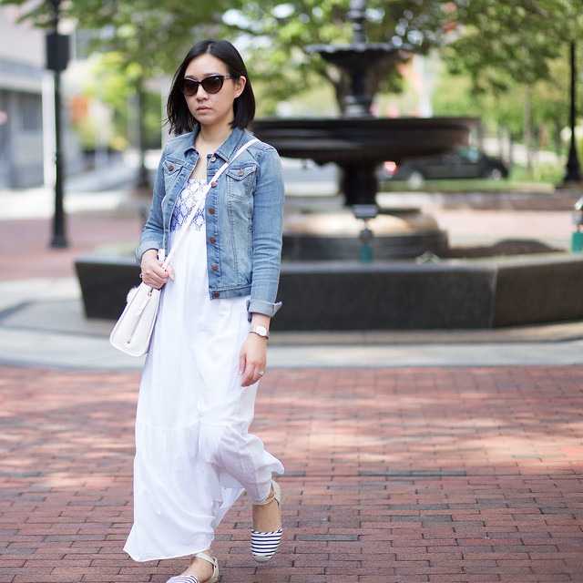 OOTD: Denim Jacket & Maxi Dress on www.whatjesswore.com