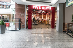 FIVE GUYS NEW BURGER JOINT [VICTORIA SQUARE IN BELFAST]-117846