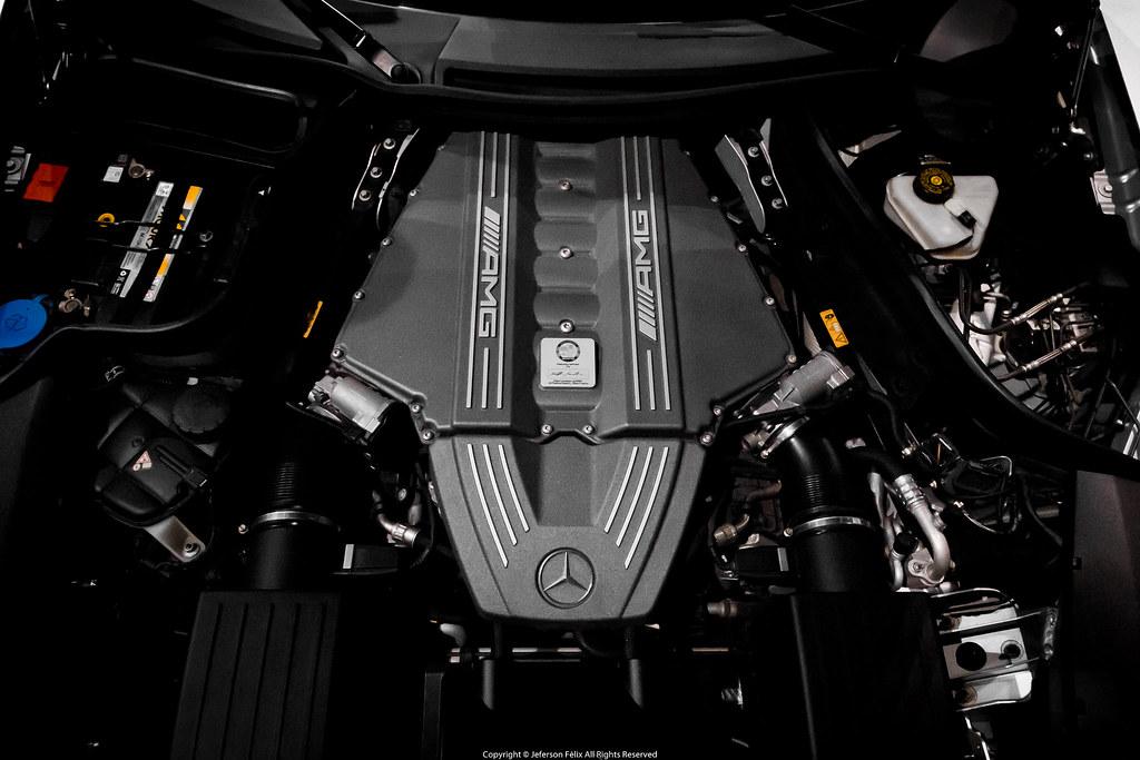 V8 Mercedes