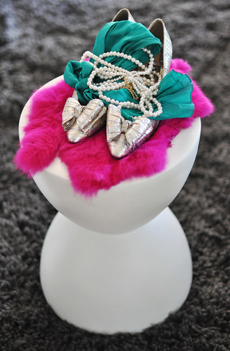 shoes-scarf- pink and green