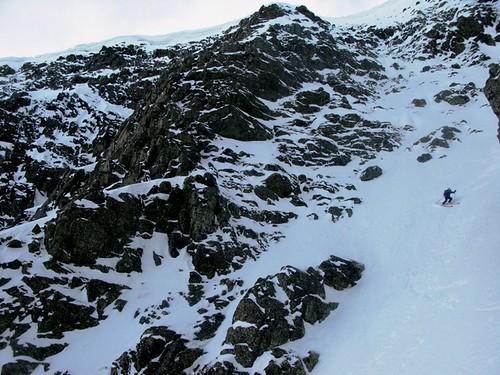 Erlend skiing the upper part of the 700 meter long couloir
