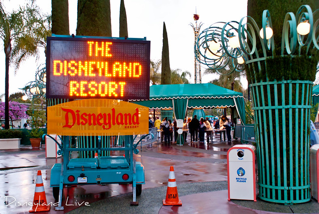 Disneyland Resort Full Sign