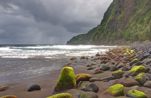 ocean beach rain island hawaii rocks pacific ngc tropical hdr waipiobay