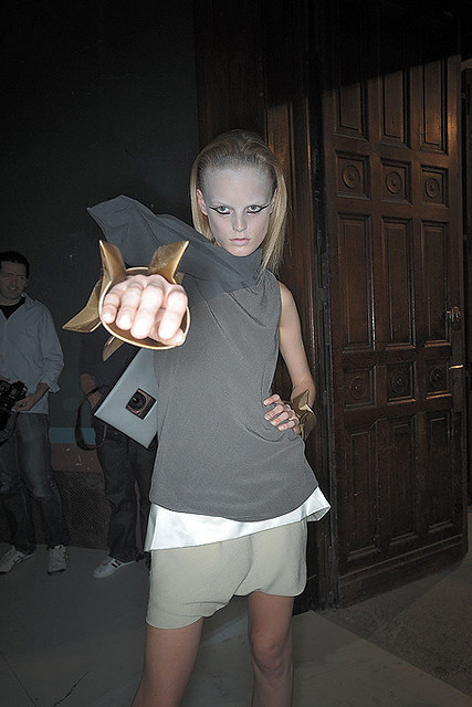 Rick-Owens-Backstage-spring-fashion-2010-042_runway