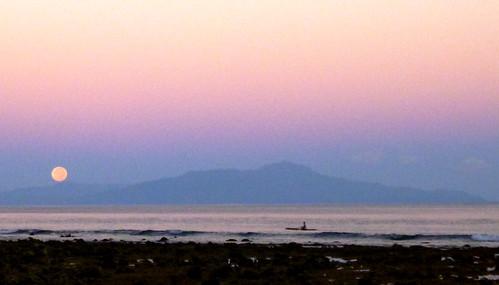 fisherman moonset easttimor outrigger atauroisland timorleste