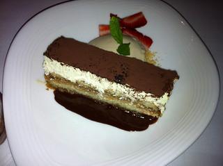 Tiramisu con chocolate caliente