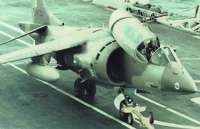 HMS Hermes (R12) Harrier Trials 1977