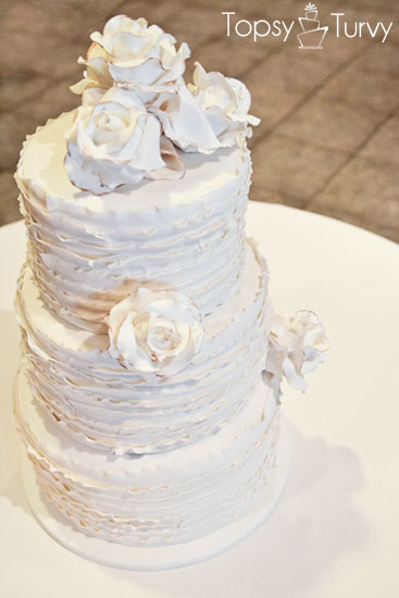 vintage-rose-ruffled-fondant-wedding-cake