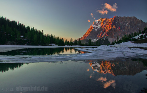 Seebensee Sunset and Zugspitz Mountain