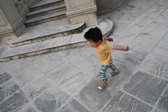 踊りながら走り回ります(2012/5/27)