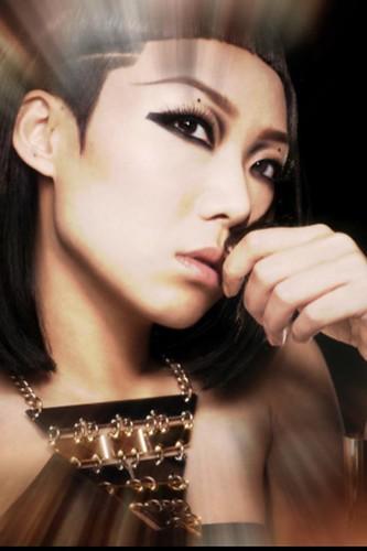 Ricky Lau: 現代版埃及女皇妝