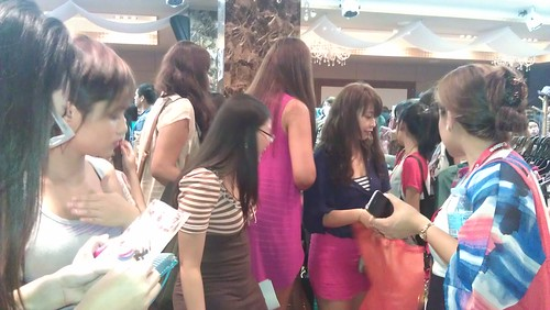 Busy shoppers at BU3