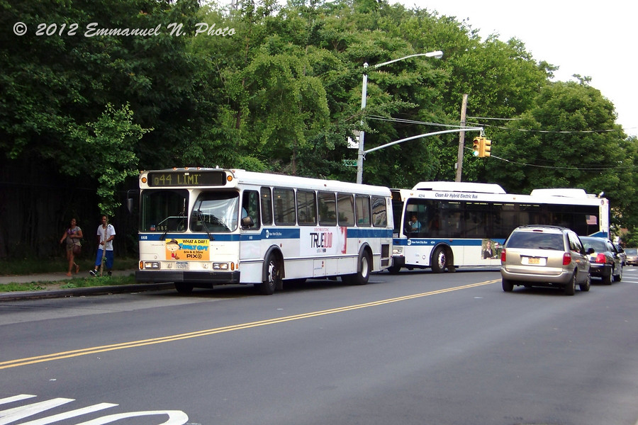 MTA 1996 Orion V 668 on the Q44 Limited