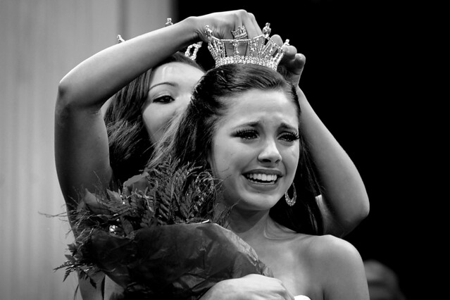Miss Saginaw County Teen Sabrina Jeffrey, of Bay City, bursts into tears as ...