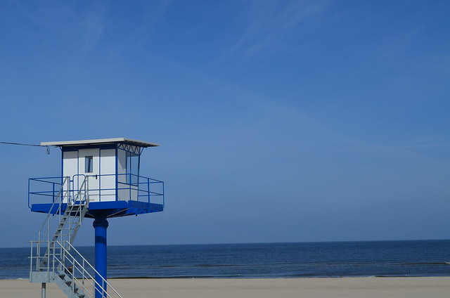 Ahlbeck beach Germany_blue and white lifeguard tower