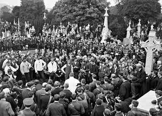 Funeral of O'Donovan Rossa, graveside in Glasnevin Cemetery, St. James's band, crowds