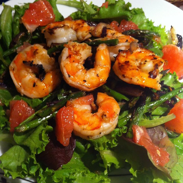 BBQ shrimp asparagus and grapefruit salad