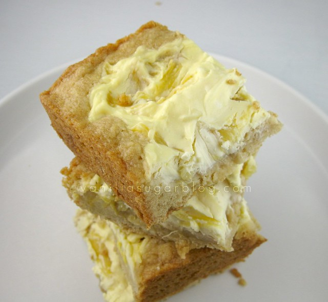 pineapple-cream cheese blondies