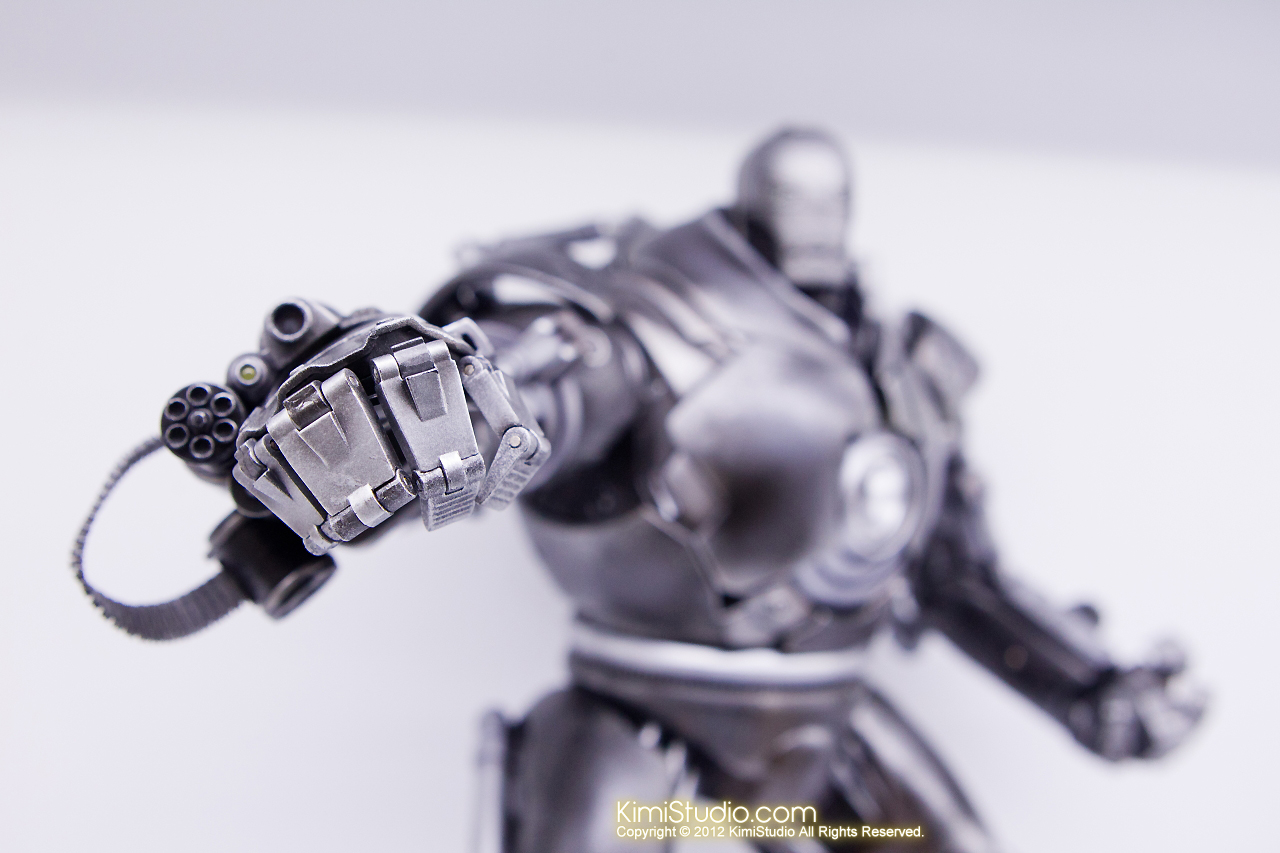 2011.11.12 HOT TOYS-091