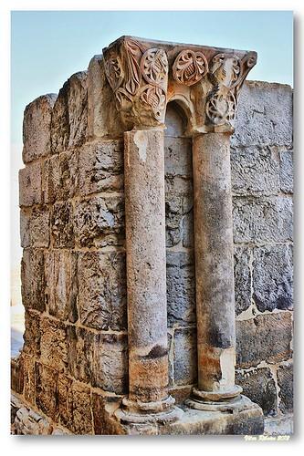 Capitéis do claustro de Santa Clara-a-Velha by VRfoto