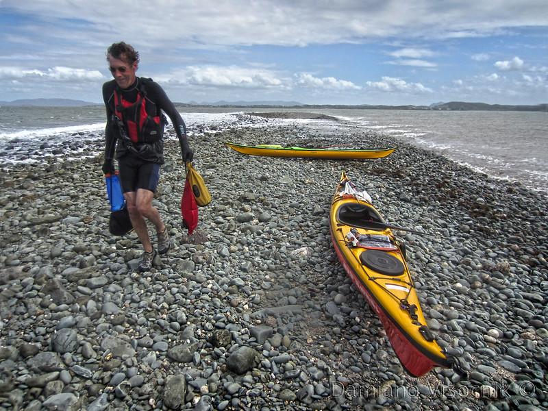 Unloading the kayaks_c