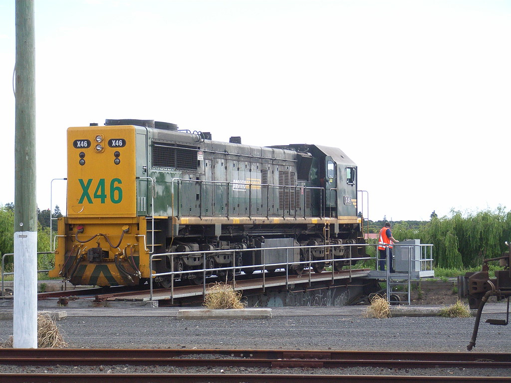 X46 being turned on the turntable at Warrnambool by bukk05